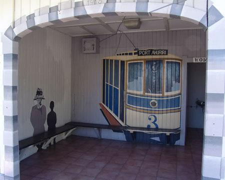 tram_shelter_4.jpg